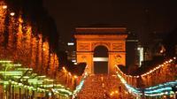 Les Champs-Elysées, le 31 décembre 2011 [Miguel Medina / AFP/Archives]