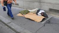 Plus d'un tiers des Français (37%) affirment avoir déjà connu, à un moment de leur vie, une situation de pauvreté, soit deux points de plus que l'an dernier[AFP]