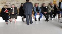 Des victimes de l'accident de radiothérapie à l'hôpital d'Epinal, lors des audiences au tribunal, le 24 septembre 2012