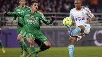 L'attaquant de Marseille Andre Ayew (à droite) lors du match contre Saint-Etienne le 23 décembre 2012 à Marseille [Anne-Christine Poujoulat / AFP/Archives]