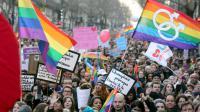 Des partisans du mariage homosexuel manifestent à Paris, le 27 janvier 2013 [Thomas Samson / AFP]