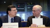 Le président du Conseil européen Herman Van Rompuy (d) et celui de la Commission européenne José Manuel Barroso (g) le 18 février 2013 au Parlement européen de Bruxelles [Thierry Charlier / AFP]