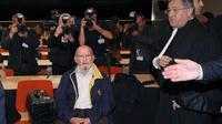 Jean-Claude Mas et son avocat Yves Haddad le 17 avril 2013 au tribunal à Marseille [Anne-Christine Poujoulat / AFP/Archives]