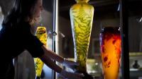Des vases d'Emile Gallé, photograhiés le 17 avril 2013, vont être mis en vente le 27 avril 2013 lors de la dispersion de la collection d'Art nouveau Neumann en Suisse [Fabrice Coffrini / AFP/Archives]
