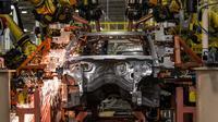 Des robots sur une chaîne de montage du constructeur automobile Chrysler, le 7 août 2012 à Detroit [Geoff Robins / AFP/Archives]