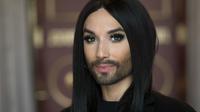 La chanteuse autrichienne Conchita Wurst, grande gagnante de l'Eurovision en 2014, a fait la surprise à ses fans de dévoiler son nouveau visage.