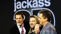 Le troisième et dernier opus de la saga «Jackass», réalisé par Jeff Tremaine (à droite) et dans lequel jouaient Johnny Knoxville et Bam Marjera, remonte à 2010.