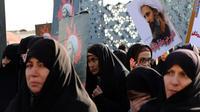 Des Iraniennes manifestent contre l'exécution d'un dignitaire chiite en Arabie Saoudite.