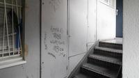 Tags, jets d'ordures, épanchements d'urines... Les incivilités sont la deuxième cause de demande de relogement dans les HLM parisiens.