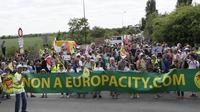 Depuis samedi 17h et jusqu'à ce dimanche en fin de journée, les opposants au projet d'Europacity se sont rejoints à Gonesse (95).