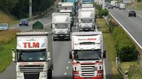 La mesure concerne les camions et les cars immatriculés avant le 1er octobre 2001.