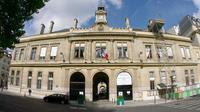 La mairie du 6e arrondissement de Paris se trouve sur la place Saint-Sulpice.