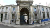 La mairie du 7e arrondissement est un ancien hôtel particulier, le «petit hôtel de Villars».