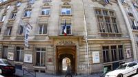 La mairie du 8e arrondissement est située rue de Lisbonne.