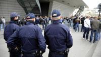 Lors de leurs patrouilles les policiers essaient de découvrir les arnaques en Ile de France.