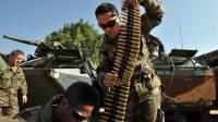 Des soldats français préparant des munitions à Bamako