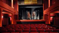 Derniers préparatifs avant l'ouverture du cinéma Eden de La Ciotat le 09 octobre 2013