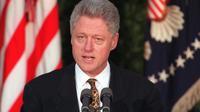 Bill Clinton lors de son discours d'excuse à la nation en 1998