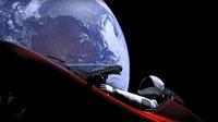 La Tesla d'Elon Musk en orbite autour de la Terre