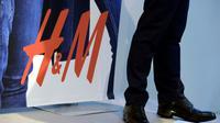 Un maire de la Côte d'Azur demande à H&M de proscrire les vendeuses voilées [JANERIK HENRIKSSON / TT NEWS AGENCY/AFP]