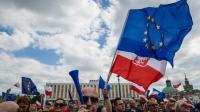 Une manifestation contre la politique menée par le gouvernement polonais, dans les rues de Varsovie, le 7 mai 2016 [WOJTEK RADWANSKI / AFP]