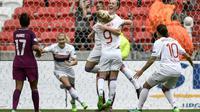 La joie des Lyonnaises après l'unique but contre Manchester City marqué par Lucy Bronze (de face), en Ligue des champions, le 29 avril 2018 au Parc OL [JEFF PACHOUD / AFP]