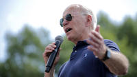 Joe Biden s'est retrouvé à nouveau embarrassé jeudi lors d'un meeting dans l'Iowa.