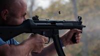 Le deuxième amendement de la Constitution américaine permet la détention d'armes aux Américains.