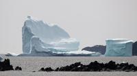 Seul 10 % de la surface des icebergs reste émergé, les 90 % restants sont sous l'eau