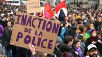 Une pancarte lors de la marche contre les violences faites aux femmes le 23 novembre 2019 à Paris [DOMINIQUE FAGET / AFP]