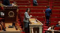 La ministre de la Santé Agnès Buzyn s'adresse à l'Assemblée natonale, le 24 septembre 2019 à Paris lors de la discussion du projet de loi bioéthique et de l'ouverture de la PMA à toutes les femmes [JACQUES DEMARTHON / AFP]