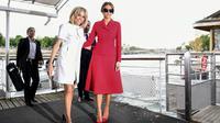 Les Premières dames Melania Trump (d) et Brigitte Macron, le 13 juillet 2017 à Paris [Martin BUREAU / POOL/AFP]