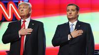 Les candidats à l'investiture républicaine pour l'élection présidentielle américaine Donald Trump (g) et Ted Cruz (d) avant un débat le 10 mars 2016 à Coral Gables, Floride  [JOE RAEDLE / GETTY IMAGES NORTH AMERICA/AFP/Archives]