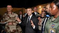 Emmanuel Macron s'adresse aux soldats de la Force Barkhane au centre de commandement de N'Djamena au Tchad, le 22 décembre 2018 [Ludovic MARIN / AFP]