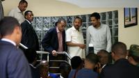 Le Premier ministre éthiopien Abiy Ahmed (2e g) rencontre une délégation de l'Alliance pour la liberté et le changement à l'ambassade d'Ethiopie, le 7 juin 2019 à Khartoum [Ebrahim Hamid / AFP]