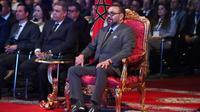 Le roi du Maroc Mohammed VI assiste le 20 juin  2019 à l'inauguration d'une usine du groupe français PSA (Peugeot, Citroën et DS) à Kénitra au nord de Rabat [FADEL SENNA / AFP/Archives]