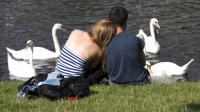 Ne pas s'engager trop vite sexuellement : le secret des couples qui durent ?