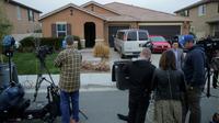 Des médias se sont regroupés dès lundi 15 janvier devant la maison ou des parents ont tenu leurs 13 enfants captifs  [Bill Wechter / AFP]