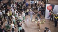Des danseuses en costume traditionnel de carnaval viendront faire une démonstration de danse.