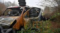 Une voiture qui faisait partie d'une barricade à Notre-Dame-des-Landes, dans l'ouest de la France, le 18 janvier 2018 [LOIC VENANCE / AFP]