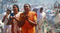 Des femmes en prière le 26 février 2013 à dans l'état de Kerala [STRDEL / AFP]