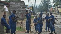 Des policiers à Bujumbura lors d'une manifestation contre le président le 20 mai 2015 [CARL DE SOUZA / AFP/Archives]