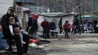 La commuanuté rom de Bobigny, le 27 mars 2019 victime d'attaques suite à la propagation de fausses rumeurs [KENZO TRIBOUILLARD / AFP]