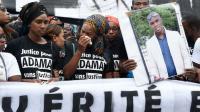 La soeur d'Adama Traoré en larme lors d'une mabifestation de proches du jeune homme décédé lors de son arrestation, à Paris le 30 juillet 2016 [DOMINIQUE FAGET / AFP/Archives]