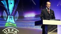Le président de l'European Leagues fLars-Christer Olsson fait une allocution lors du tirage au sort du 1er tour des Coupes européennes, le 25 août 2006 à Monaco    [VALERY HACHE / AFP/Archives]