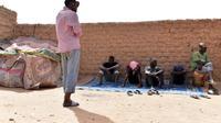 Des migrants à Agadez, au Niger, le 1er avril 2017 [ISSOUF SANOGO / AFP/Archives]