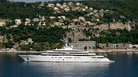 """Le yacht """"Eclipse"""" du milliardaire russe Roman Abramovitch, 2e yacht le plus long du monde, amarré à Villefranche-sur-Mer, le 6 juillet 2013 [Valery Hache / AFP/Archives]"""