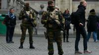 Des militaires sur la Grand-Place de Bruxelles le 22 novembre 2015 [JOHN THYS / AFP]