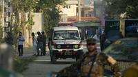 Une ambulance arrive près du site d'une université américaine à Kaboul le 25 août 2016 [WAKIL KOHSAR / AFP/Archives]
