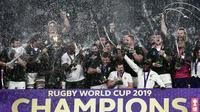 Les Sud-Africains fêtent leur victoire en Coupe du monde de rugby à Yokohama, le 2 novembre 2019 [Anne-Christine POUJOULAT / AFP]